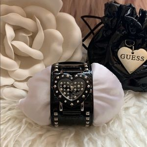 🖤Gorgeous Guess Watch🖤
